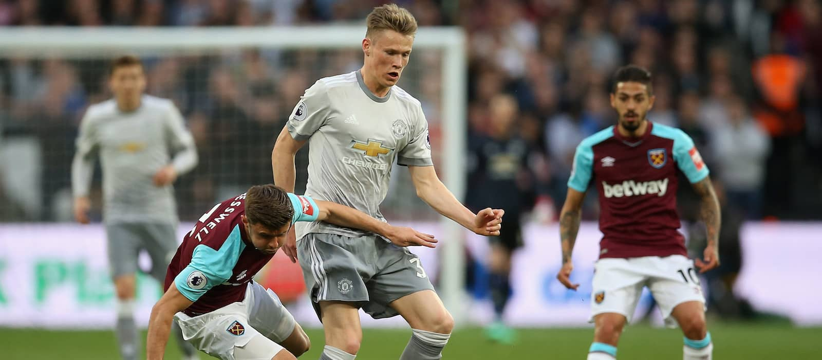 Manchester United fans disappointed with Scott McTominay's performance vs Liverpool