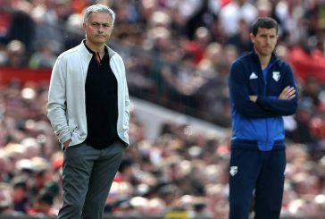 Paul Ince: Manchester United must win FA Cup to save Jose Mourinho