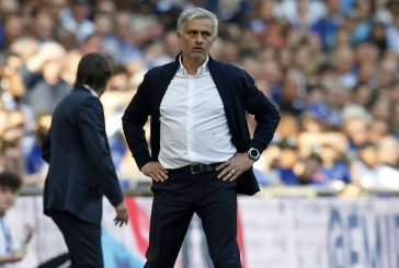 Jose Mourinho:  Criticise Antonio Conte's Chelsea like you criticise Manchester United