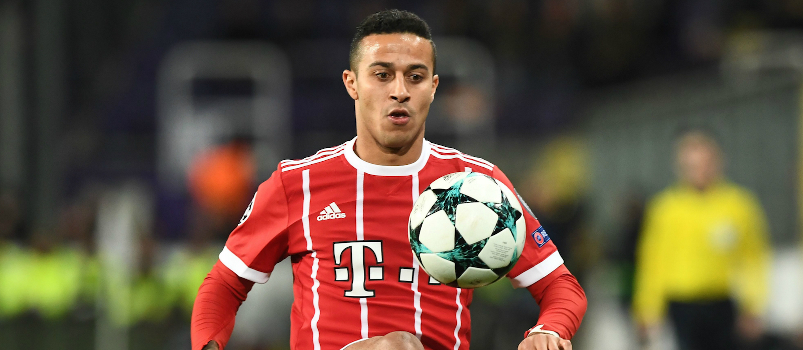 Wayne Rooney: Thiago Alcantara one of the best midfielders around