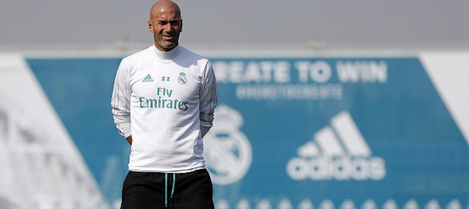 "Zinedine Zidane tells friends he ""expects"" to be offered Manchester United job – report"