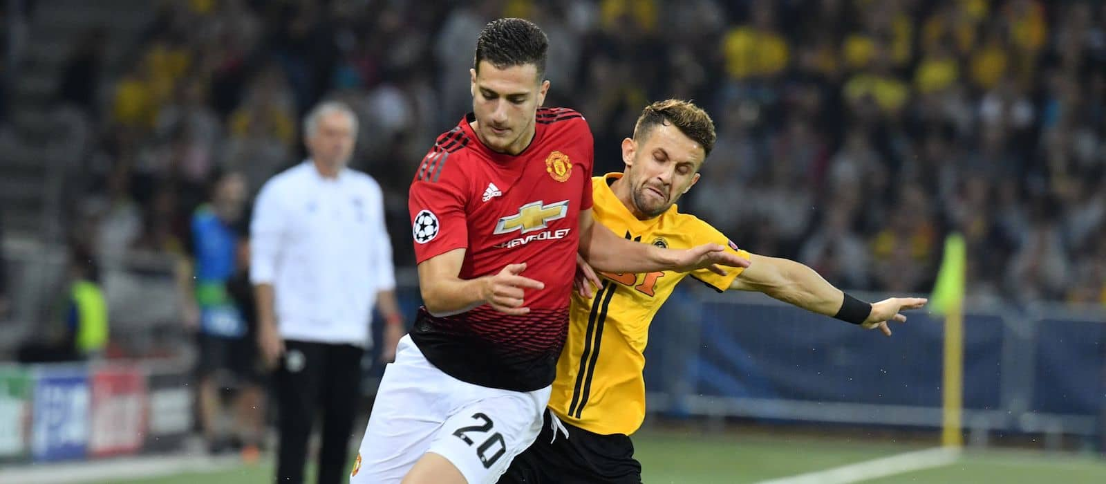 Manchester United fans react to news of potential Diogo Dalot sale