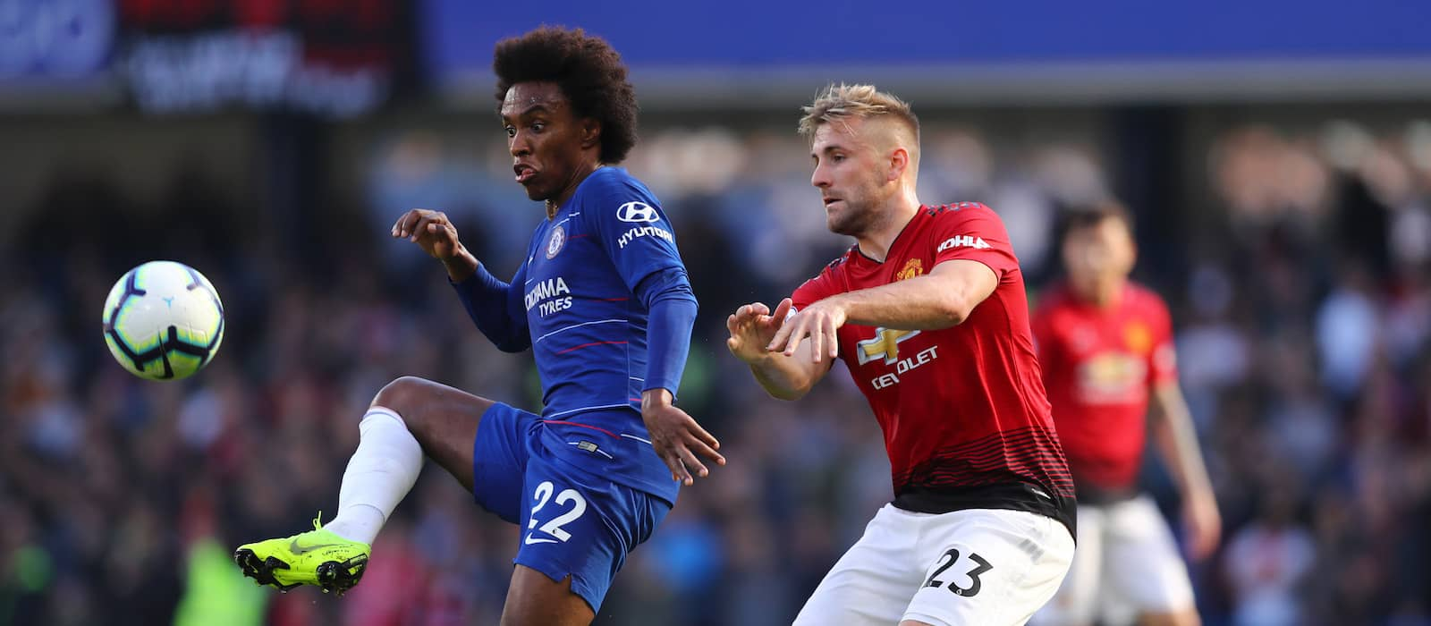 Luke Shaw destroys Paul Pogba on Twitter after 2-1 win over Everton