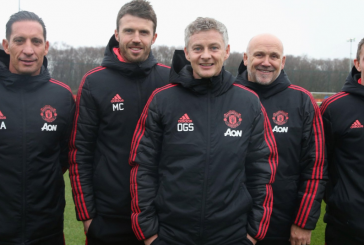 Mike Phelan thanks supporters after winning Old Trafford return as Manchester United assistant
