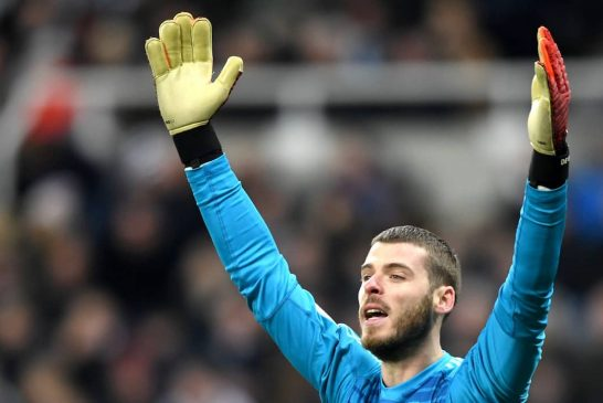 Manchester United offer fresh terms to David de Gea: report
