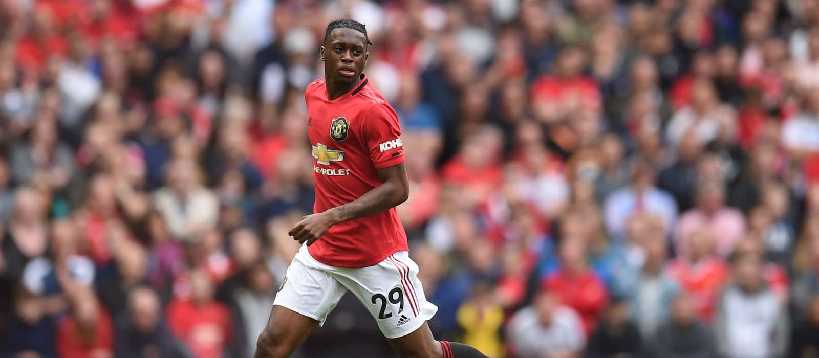 Manchester United fans heap praise on monumental Aaron Wan-Bissaka performance against Manchester City
