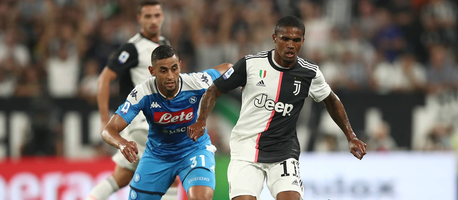 Manchester United chased Douglas Costa this summer according to agent