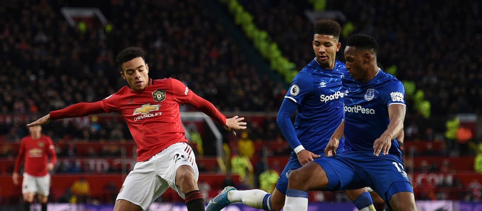 Mason Greenwood impresses Manchester United fans with cameo vs Everton