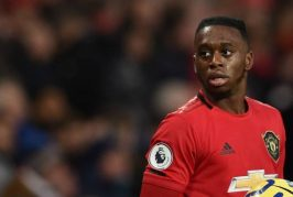 Manchester United look to address right flank weakness soon