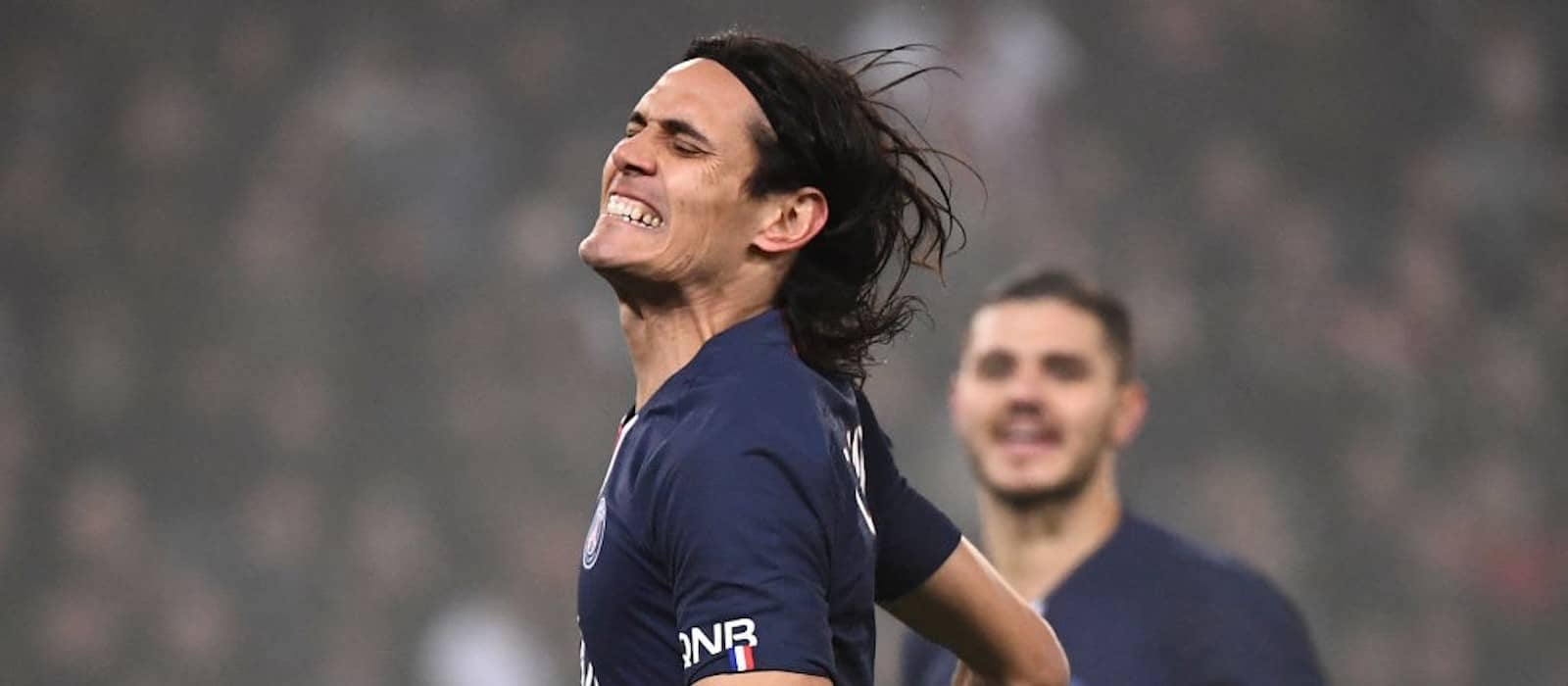 Manchester United fans react to Edinson Cavani question