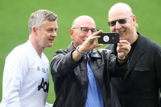 Glazers pay themselves massive dividend as Man United's debt soars