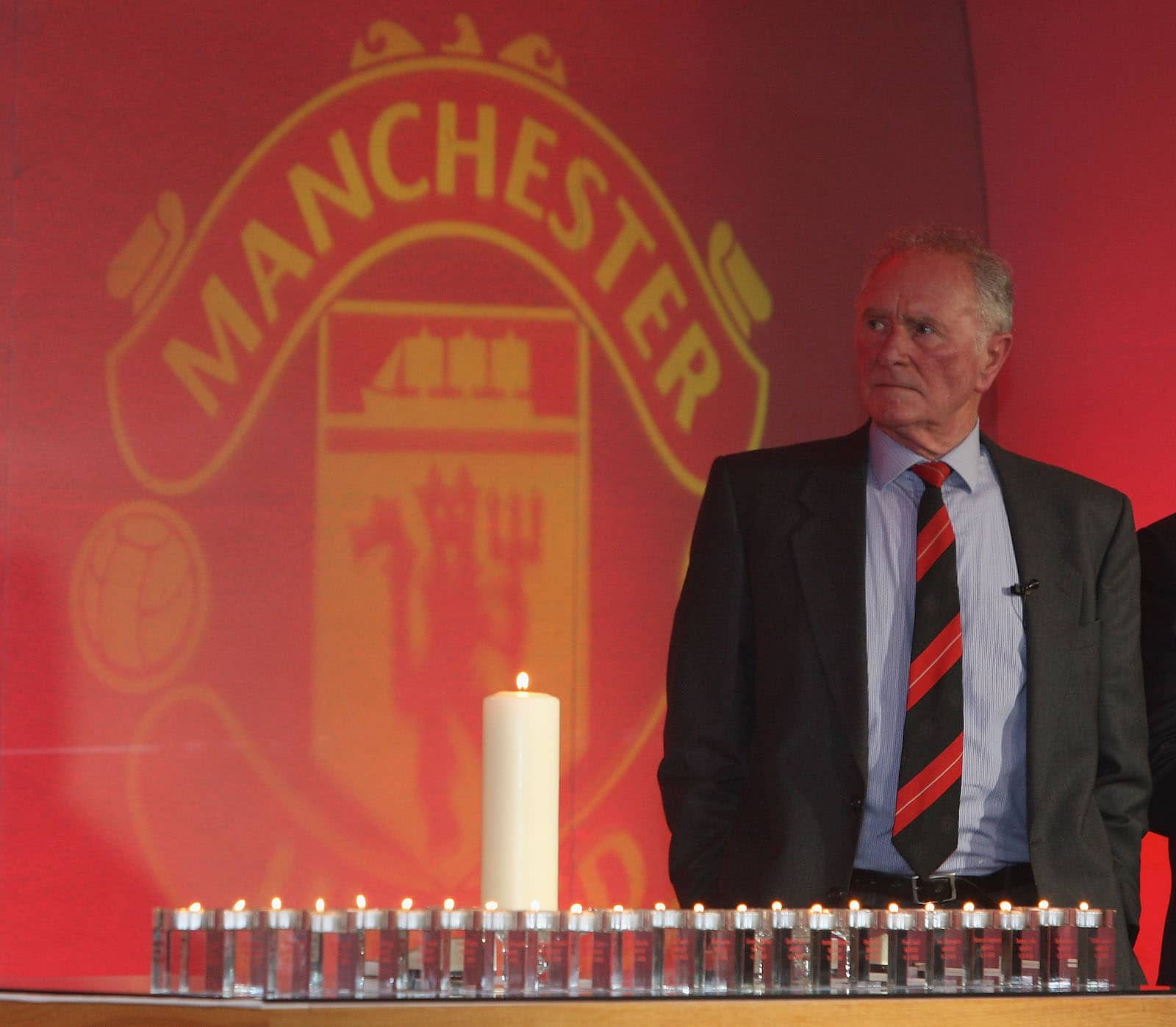 Manchester United legend Harry Gregg dies at 87