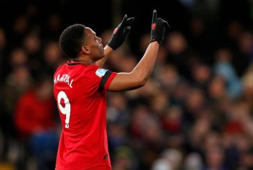 Ryan Giggs adamant Manchester United 'definitely need a centre-forward'