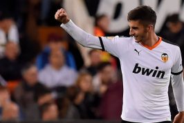 Manchester United face huge competition for Ferran Torres