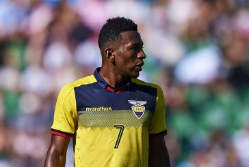 Manchester United turn attentions to Watford's Pervis Estupinan