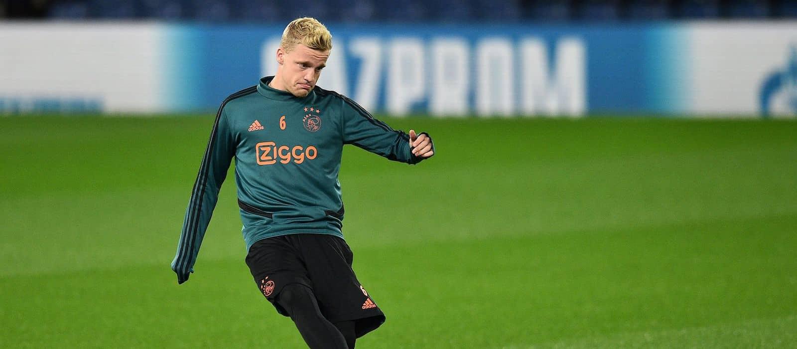Donny van de Beek pictured in Manchester United's new kit