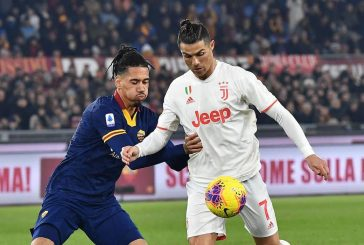 Manchester United and Roma stuttering to reach Chris Smalling agreement
