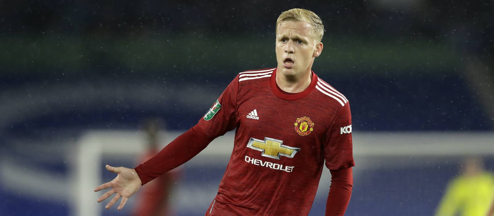 Manchester United fans disappointed by Donny van de Beek omission