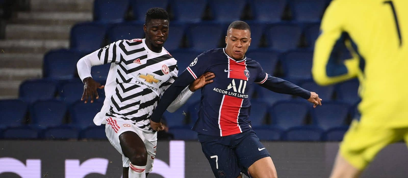 Rio Ferdinand lauds Axel Tuanzebe for solid display vs PSG
