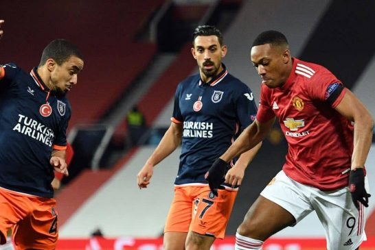 Anthony Martial or Edinson Cavani: who is Man United's best centre-forward?