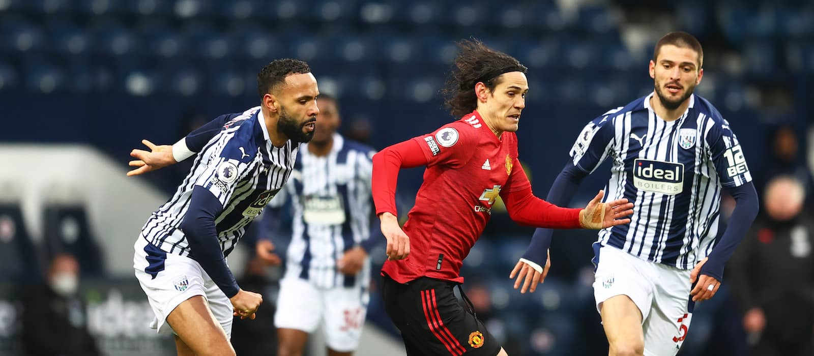 Edinson Cavani insists he's happy to help Manchester United youngsters