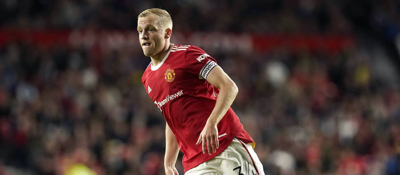 Donny van de Beek: Pundits blast Manchester United star's current  predicament - Man United News And Transfer News | The Peoples Person